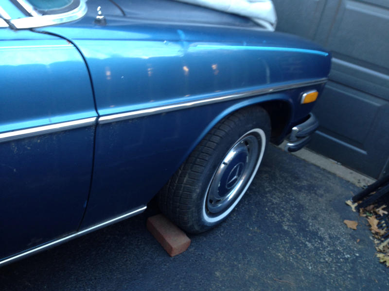 1970 250c possible part out blue on blue tex-imageuploadedbyautoguide1419259589.077817.jpg