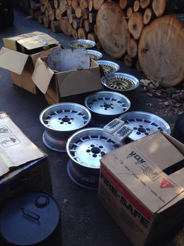 Vintage wheels & hubcaps: BBS, Pentas, Lorinser LO, even a bundt-imageuploadedbyautoguide1431564488.829001.jpg
