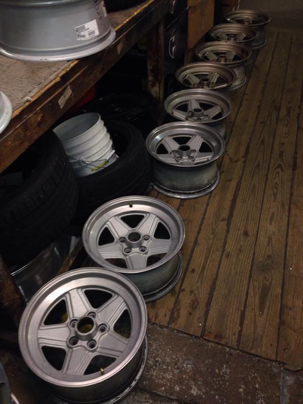 Vintage wheels & hubcaps: BBS, Pentas, Lorinser LO, even a bundt-imageuploadedbyautoguide1431564545.294526.jpg