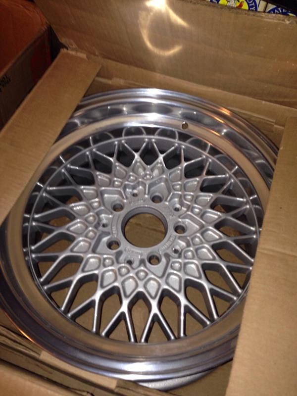 Vintage wheels & hubcaps: BBS, Pentas, Lorinser LO, even a bundt-imageuploadedbyautoguide1431564599.410831.jpg