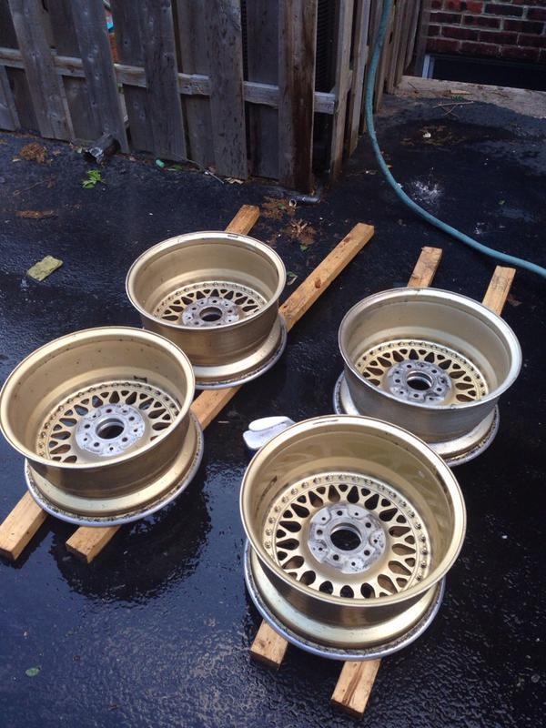 Vintage wheels & hubcaps: BBS, Pentas, Lorinser LO, even a bundt-imageuploadedbyautoguide1431564877.461122.jpg