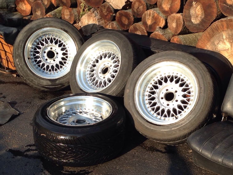 Vintage wheels & hubcaps: BBS, Pentas, Lorinser LO, even a bundt-imageuploadedbyautoguide1442627897.838761.jpg