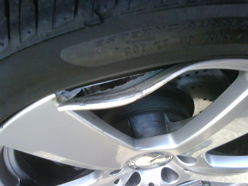 2 Flats And A Dented Rim At One Time 2010 E350 W P2