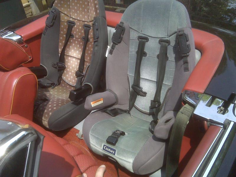 baby child seat in 107 back seat mercedes benz forum. Black Bedroom Furniture Sets. Home Design Ideas
