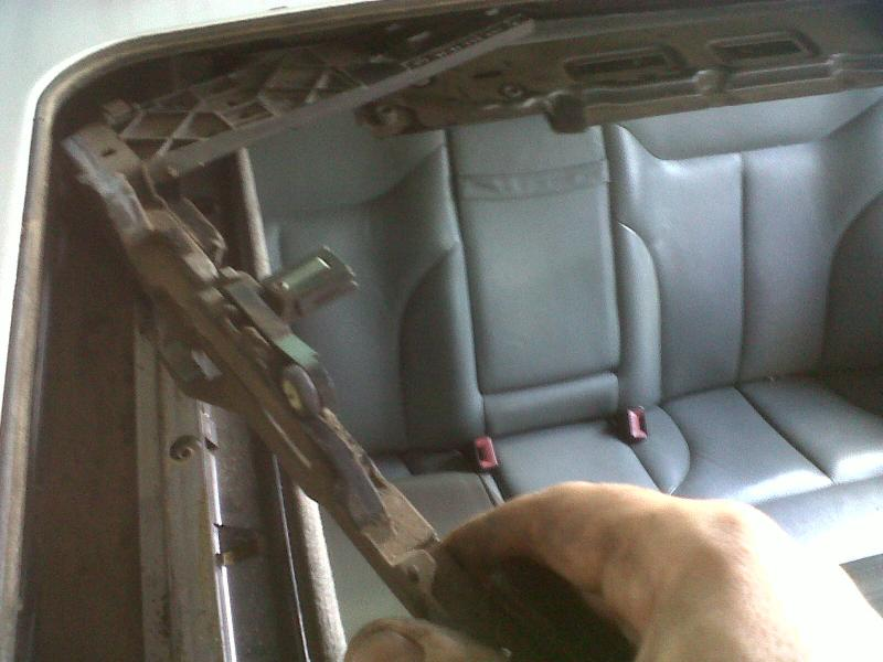 DIY - W140 Sun Roof Resotoration / Repair / Service / Dismantle (ALL PICS)-img01399-20110922-1213.jpg