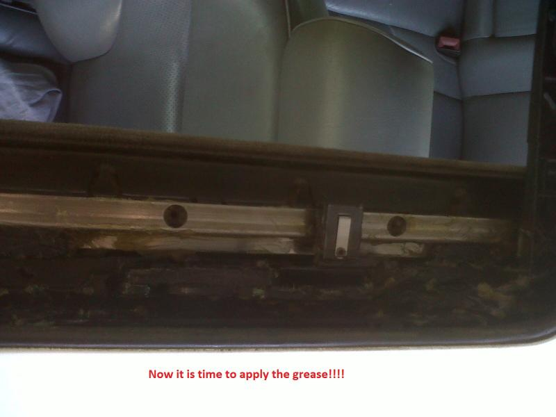 DIY - W140 Sun Roof Resotoration / Repair / Service / Dismantle (ALL PICS)-img01420-20110922-1437.jpg