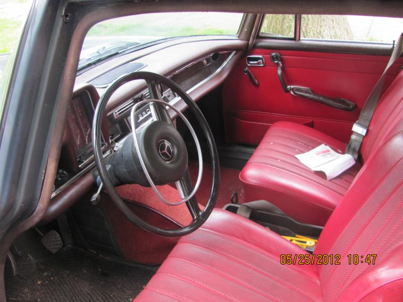 1968 Mercedes 230 Fintail (W110 4 door sedan)-img_0012.jpg
