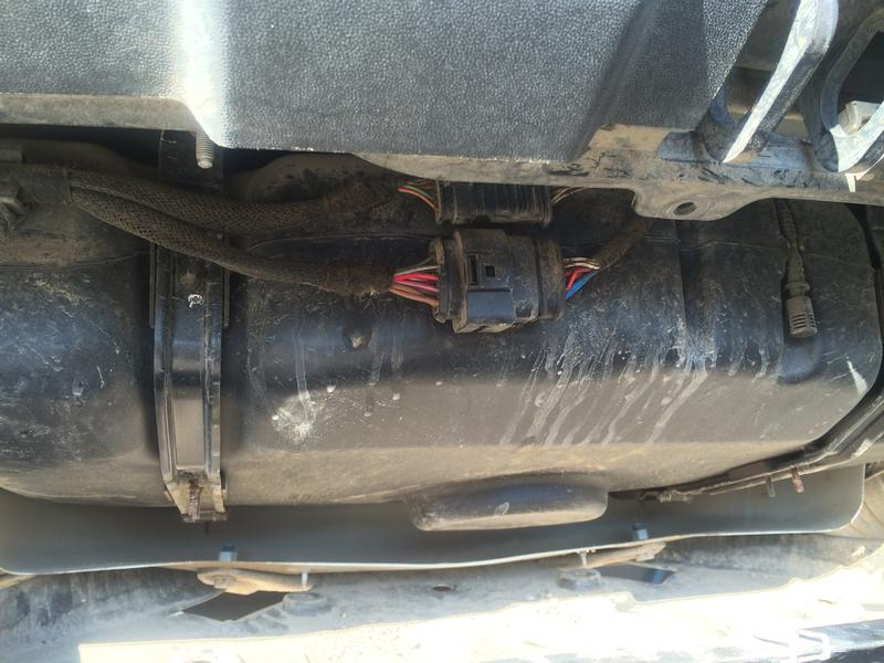 Mercedes R320 BlueTec AdBlue Tank Heater Replacement Fault Code 203D17-img_0725.jpg