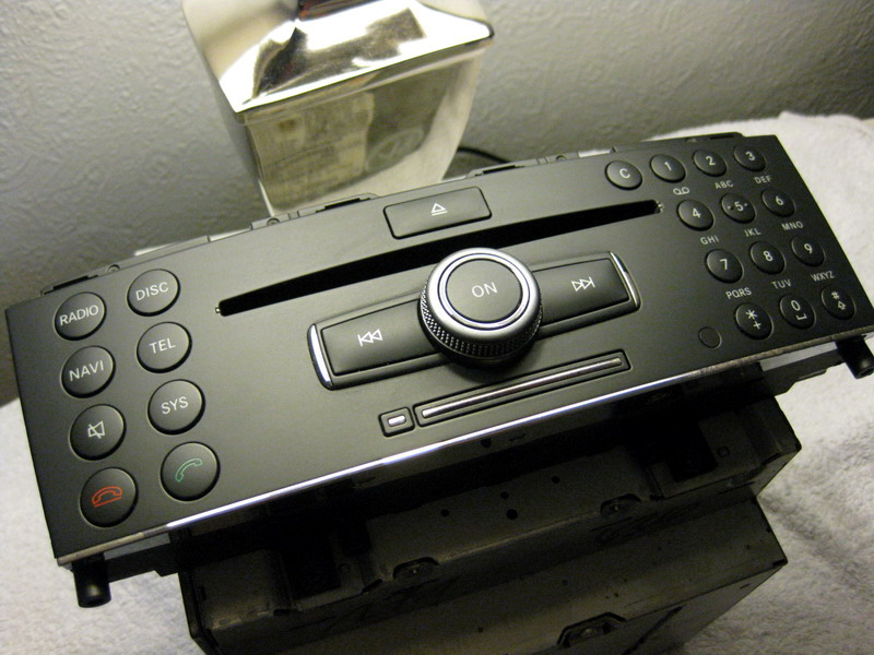 W204 Japanese imports Comand Restarting itself   Mercedes