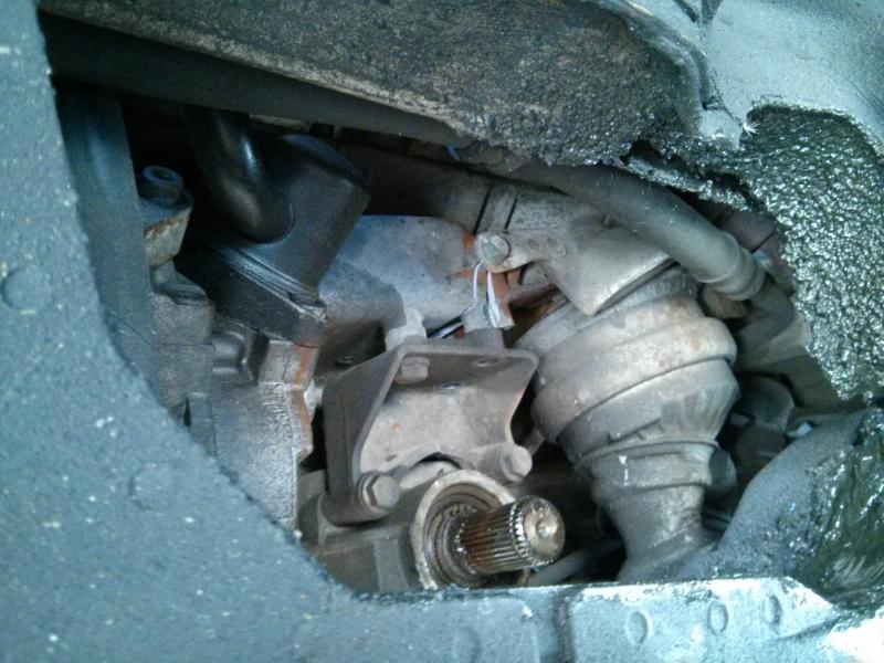 Maxresdefault moreover Pic together with D E Motor Mount Replacement You Img as well D Cracked Power Steering Pump Bracket also L. on 2001 mercedes e320 belt replacement