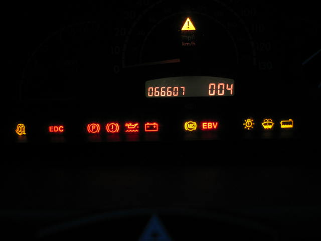 Vito What Are These Signs On The Dash Display Mercedes Benz Forum