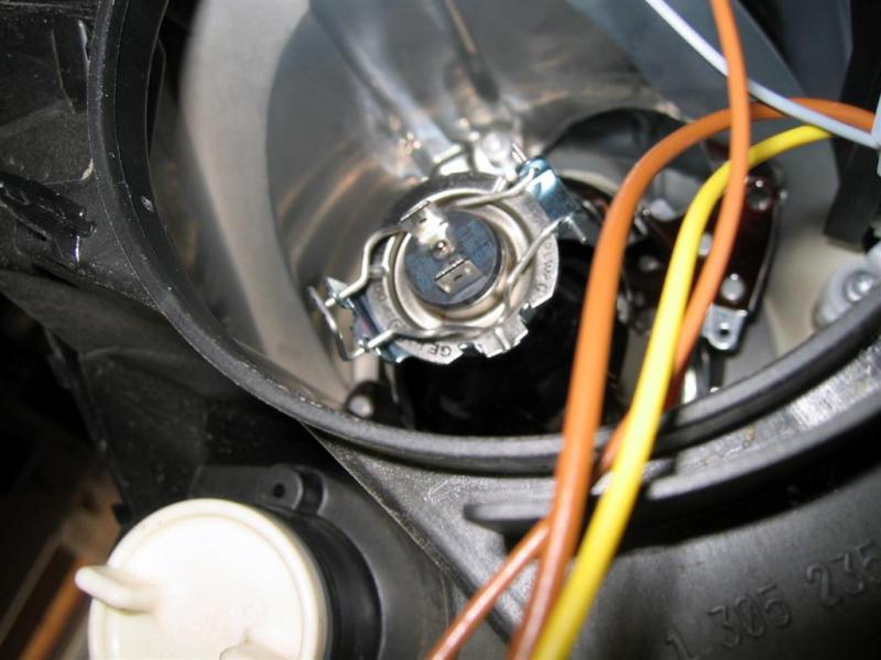 Change mercedes b class headlight bulb for Mercedes benz light bulb replacement