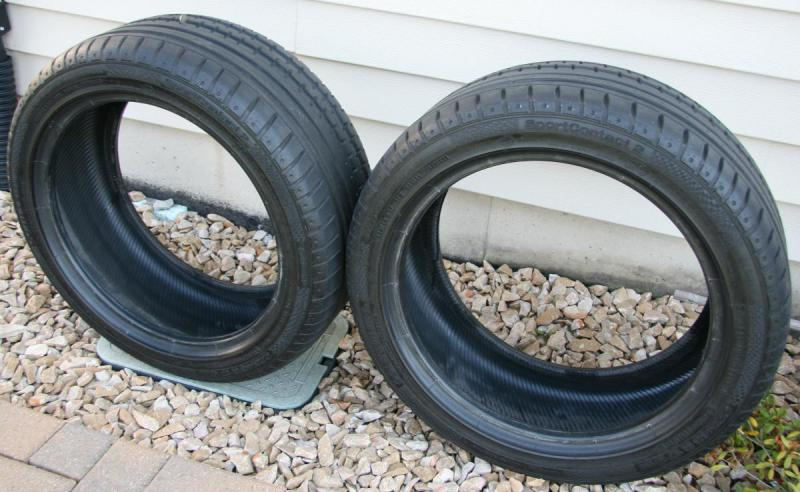 Selling 2 slightly used tires CONTINENTAL Sport Contact 2 225/45 R17