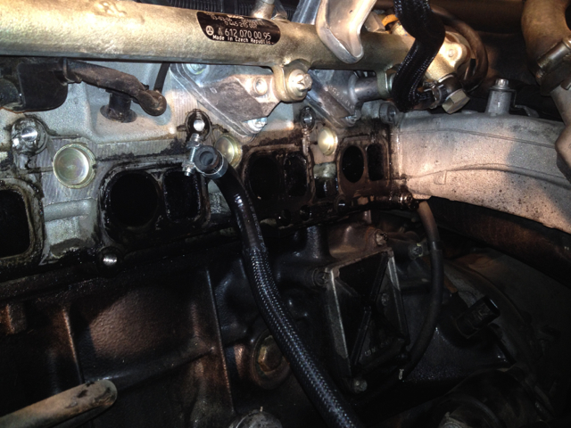 Intake Manifold Ml270cdi Oil Is Present And Leaking