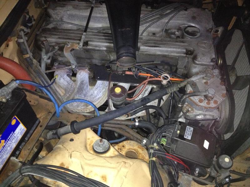 77 Mercedes-Benz 280E EGR valve? (gasoline)-img_7702.jpg