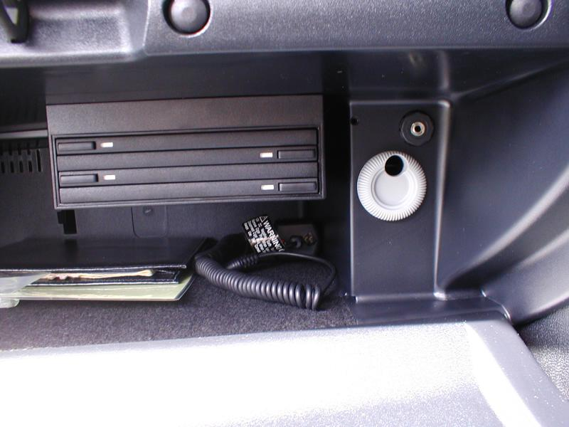 auxiliary input in glove box mercedes benz forum. Black Bedroom Furniture Sets. Home Design Ideas