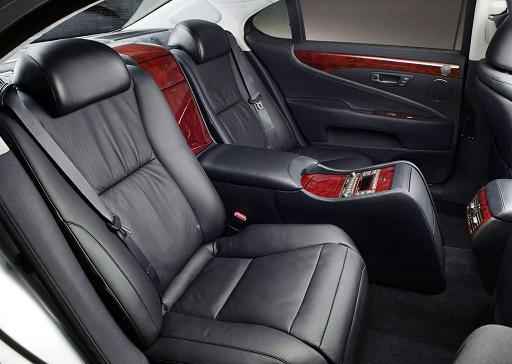 How Does The W140 Interior Fair Against These Mercedes