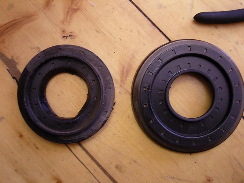Done the diff side seals.-new-vs-old.jpg