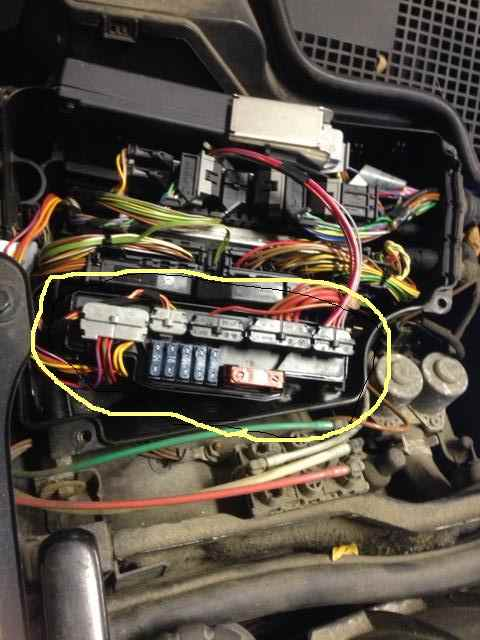 D Secondary Air Injection Pump Relay Location Photoasr on Mercedes Benz Fuel Pump Relay