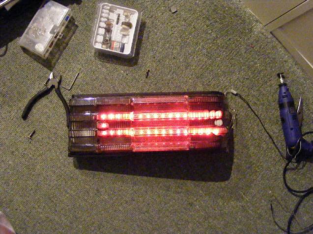 Oldscool, présentation de la 260 SE de mon père - Page 2 323643d1281124661-led-tail-light-project-picture002-1-copy