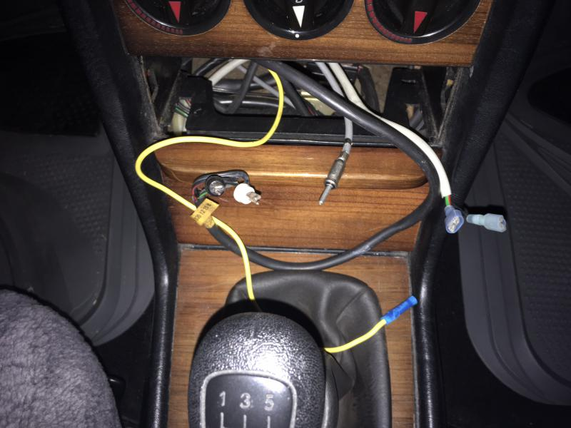 W123 Radio Wiring