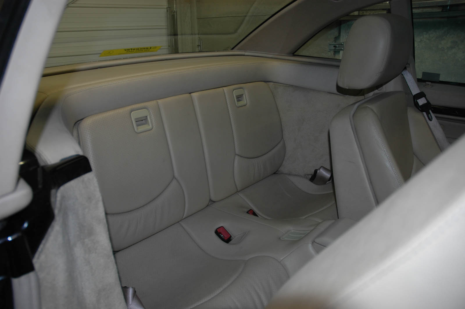 97229d1157049923 R129 Sl Roadster Rear Jump Seats Rear Seats.jpg. Full resolution  snapshot, nominally Width 1600 Height 1064 pixels, snapshot with #59503B.