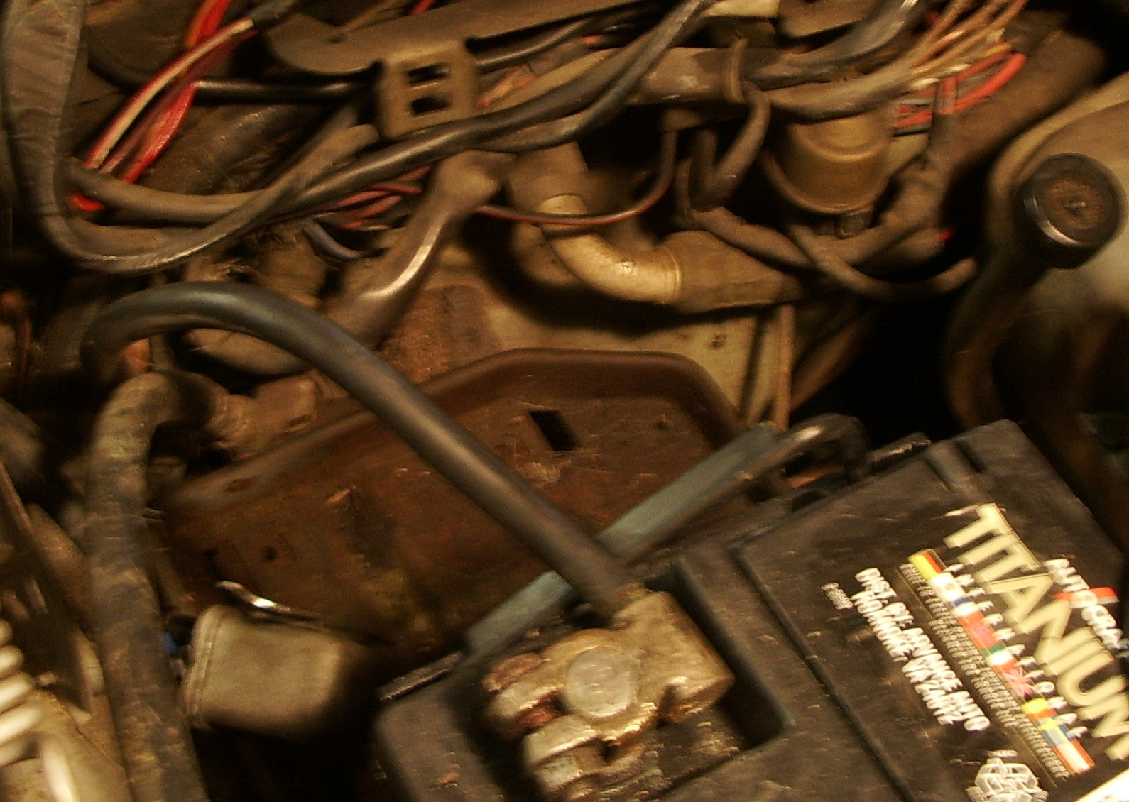 1972 280SE 4.5L- What does relay behind battery control?-relay-picture-2-mercedes.jpg