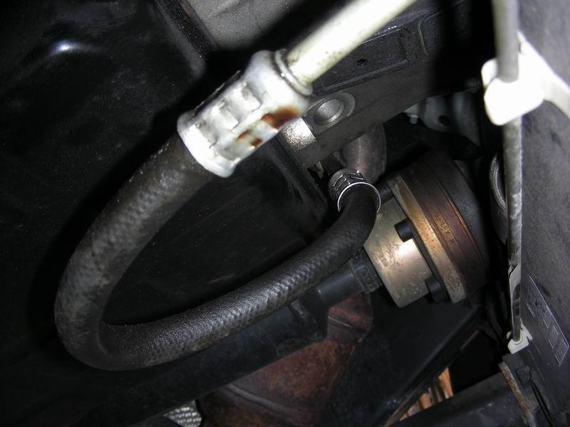 Img together with Reardiffleak besides Pic in addition M Dirty besides D Slight Fluid Leak Ml Resize Dscn. on mercedes transmission leak