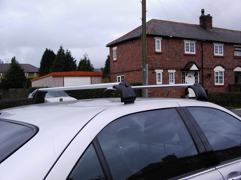 weight limit of S500 roof rack?-roofbars-1.jpg