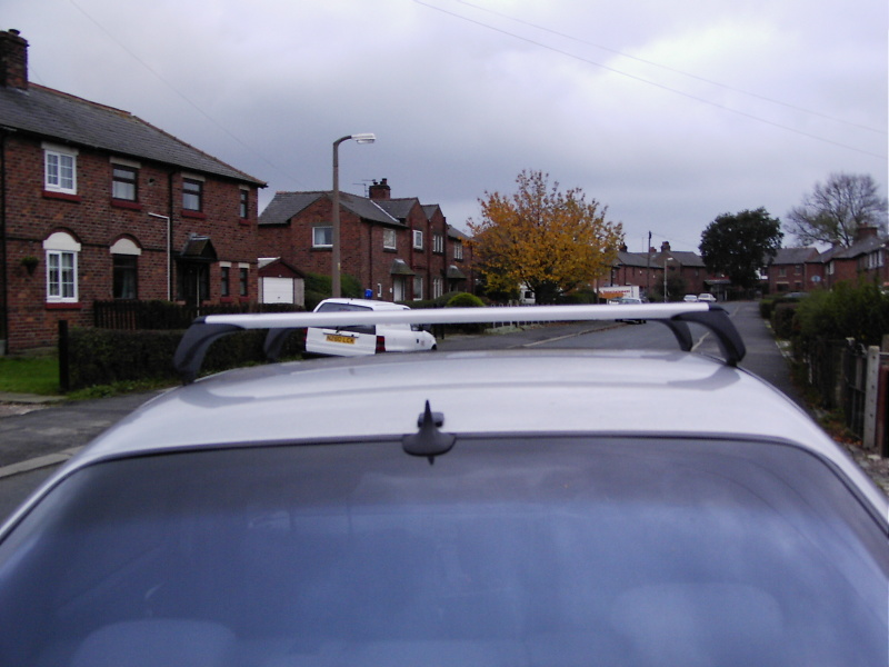 weight limit of S500 roof rack?-roofbars-2.jpg