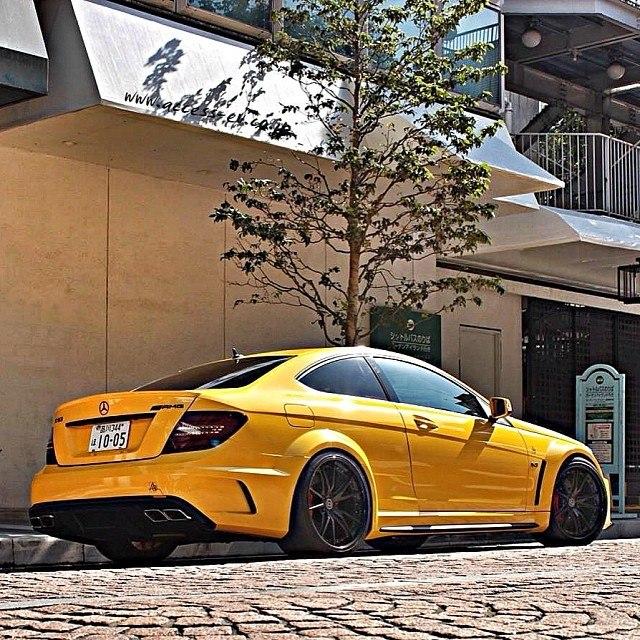 Black series yellow color paint code mercedes benz forum for Mercedes benz paint colors