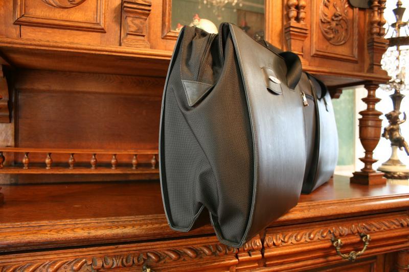 mercedes sl rear shelf luggage bag for sale mercedes. Black Bedroom Furniture Sets. Home Design Ideas