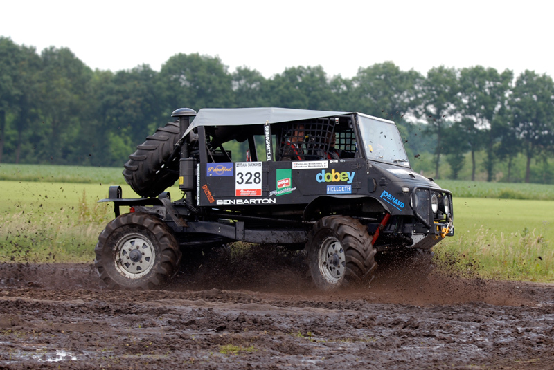 "Post your favorite ""mog in mud"" shots-unimog_800.jpg"