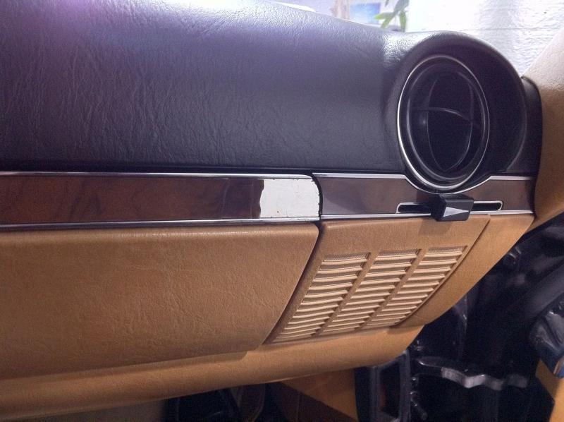 1985 500SEC AMG WIDE BODY (00)-vent-lever-knob.jpg