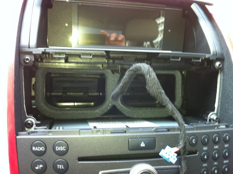 W204 Audio 20 Upgrade-vent-removed.jpg