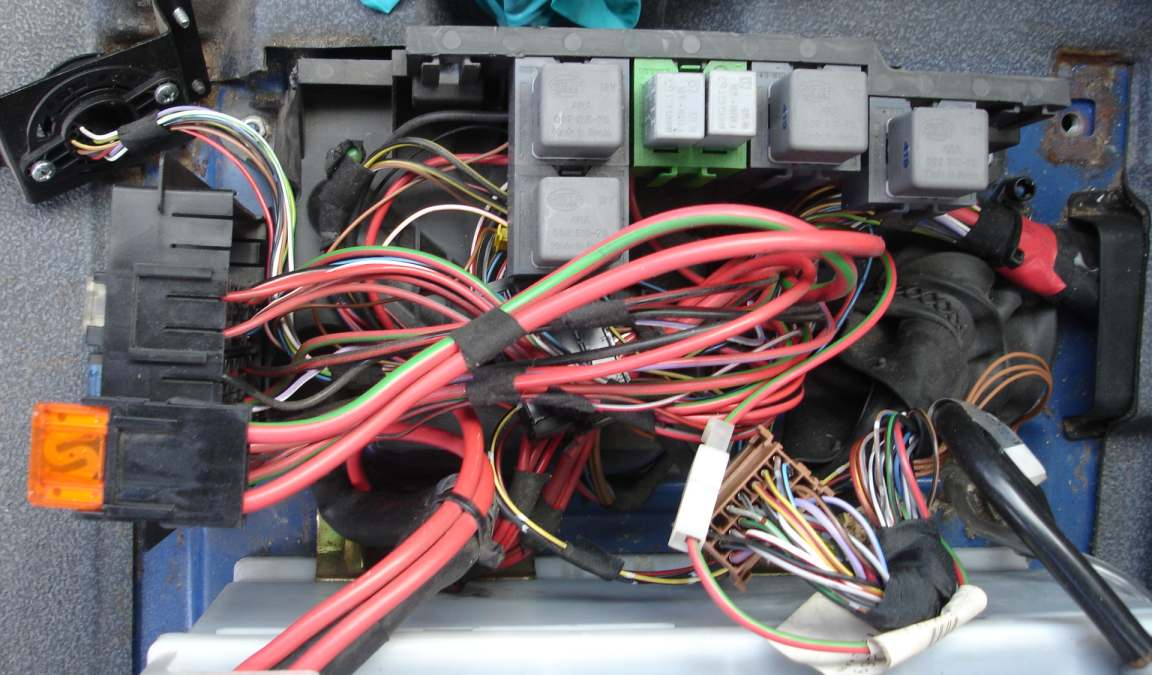 Image Of Mercedes Vito Starter Motor Relay Location rear wiper on