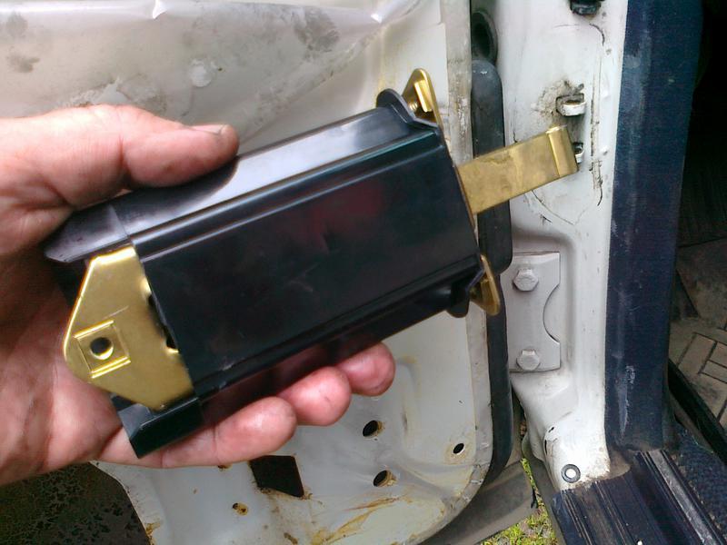 ... Click image for larger version Name W123 door stopper W124.jpg Views 1305 & Door check strap - Mercedes-Benz Forum