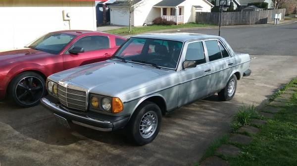 Showcase cover image for 82w123trbo's 1982 Mercedes-Benz 300D
