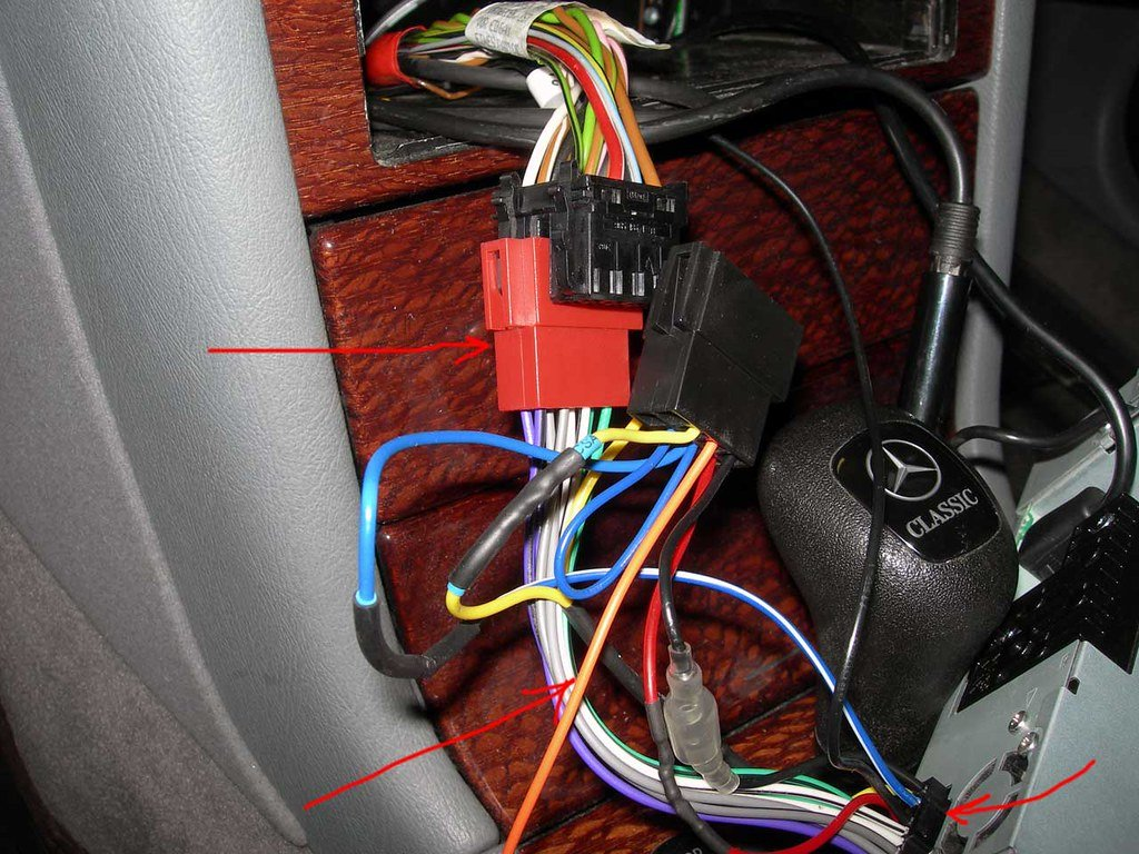 Aftermarket stereo in 98' c230 | Mercedes-Benz Forum