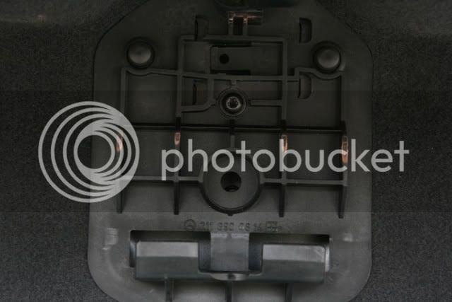 DIY - W211 LED Licence Plate Lights (56K Warning) | Mercedes
