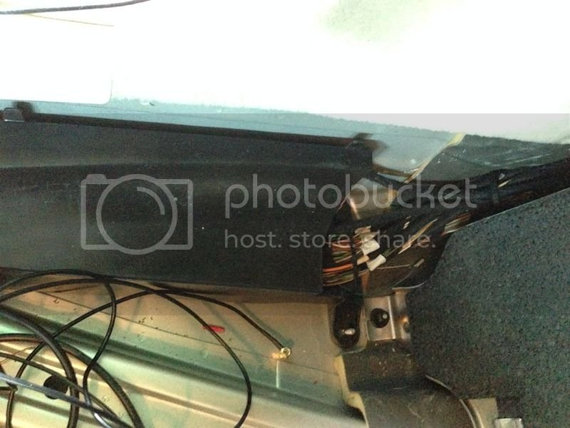Intall Xtrons head unit to work with MB AMP(Audio gate way