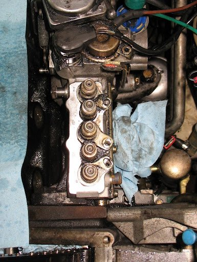 90 300D -- OM602 delivery valve seals and head gasket