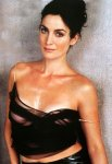 medium_carrie_anne_moss_004.jpg